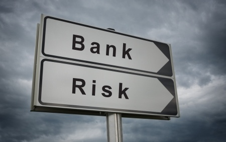 FCA warns that banks must manage risk rather than avoid it
